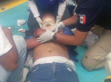 ¡Adolescente se salvó de morir tras caer de 9 metros de altura en una empresa en Aguascalientes!
