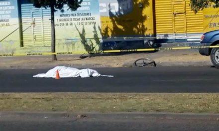¡Ciclista murió embestido por una veloz camioneta en Aguascalientes!