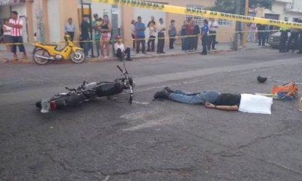 ¡Motociclista murió tras chocar contra un camión de basura en Aguascalientes!
