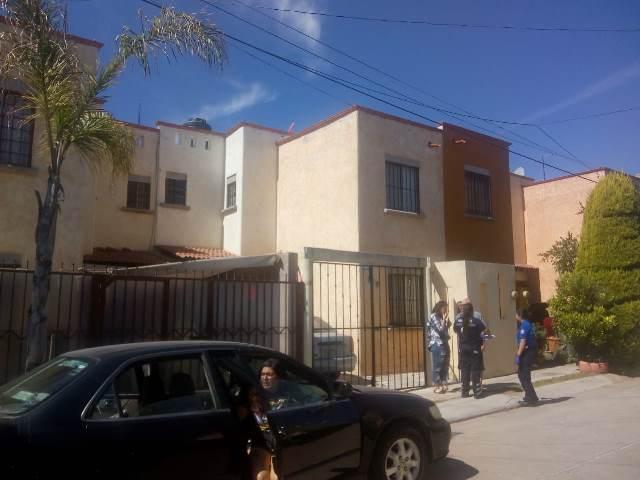 ¡Mujer se ahorcó en la regadera de su casa en Aguascalientes!