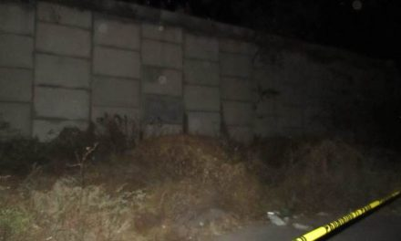 ¡Hombre encontrado en un lote baldío en Aguascalientes se quitó la vida ahorcándose!