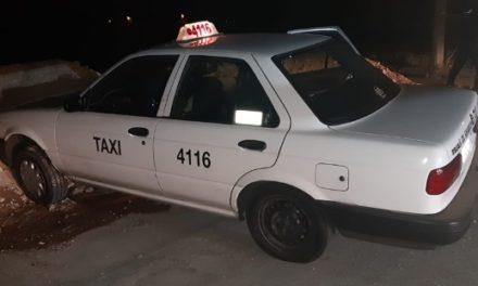 ¡Asesinaron a puñaladas a un taxista en su unidad de alquiler en Aguascalientes!