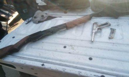 ¡PEP detuvo tras persecución a 2 sujetos con armas y equipo táctico en Ojocaliente!