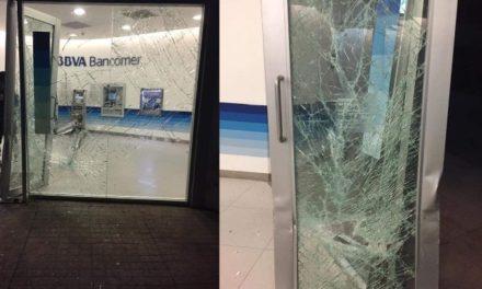 ¡Delincuentes intentaron saquear un cajero automático en Lagos de Moreno!