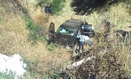 ¡Joven murió tras volcar y caer en su camioneta a un barranco en Vetagrande!