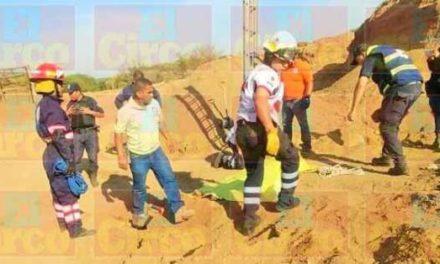 ¡Adolescente murió sepultado en un banco de arena en Lagos de Moreno!