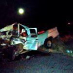 ¡Choque entre 2 camionetas dejó 2 muertos y 1 lesionado en Miguel Auza!