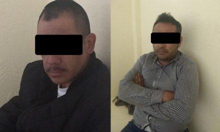 """¡Detuvieron a 2 empleados de Reglamentos Municipales de Aguascalientes con """"crystal"""" en un auto oficial!"""