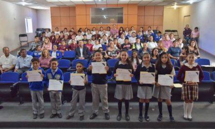 ¡Estudiantes de Jesús María participan en concurso de declamación!