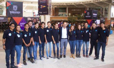 """¡Gobernador Martín Orozco se reúne con universitarios para presentar el proyecto de movilidad """"Yo Voy""""!"""