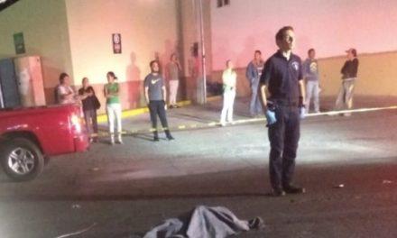 ¡Hombre murió atropellado por un veloz automóvil en Aguascalientes!