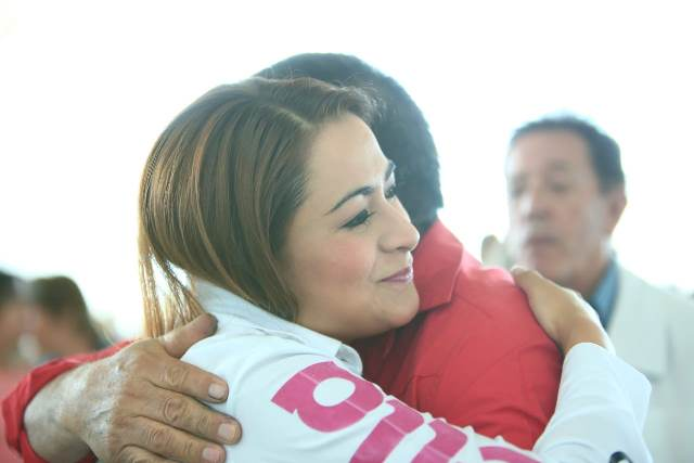 ¡Trabajadores de la educación van con Tere Jiménez para seguir mejorando Aguascalientes!