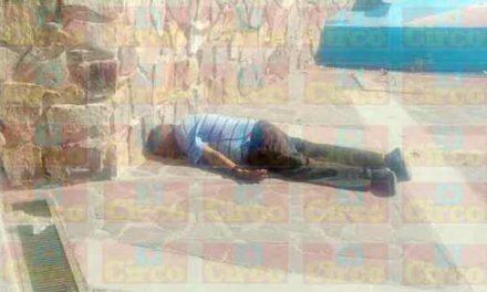 ¡Hombre de la tercera edad murió en el jardín del Barrio del Panteón en Lagos de Moreno!