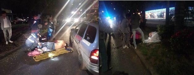 ¡Graves hombre y mujer que en una motocicleta chocaron contra un poste en Aguascalientes!