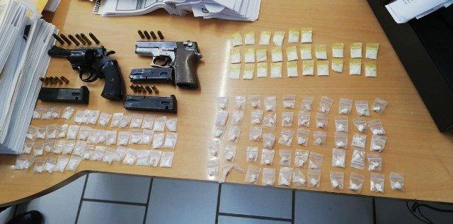 ¡Detuvo la PEP en Concepción del Oro a un sujeto en posesión de armas de fuego y droga!