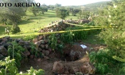 ¡Descubrieron una fosa clandestina con un hombre ejecutado en el patio de una casa en Sombrerete!