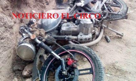 ¡Motociclista herido tras ser embestido por una camioneta en Lagos de Moreno!
