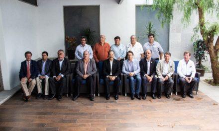 ¡Presenta el gobernador YOVOY ante los ingenieros civiles y urbanistas de Aguascalientes!
