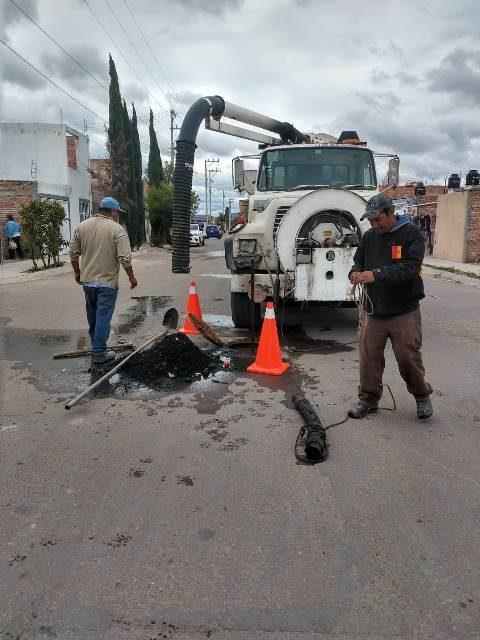 ¡Realiza Capas trabajos de mantenimiento y limpieza a redes de alcantarillado!