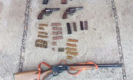 ¡Policías estatales preventivos aseguraron 5 armas de fuego, cargadores y cartuchos en Valparaíso!