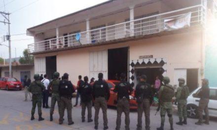 ¡Policías federales y militares detuvieron a 3 narcomenudistas tras cateo en Aguascalientes!