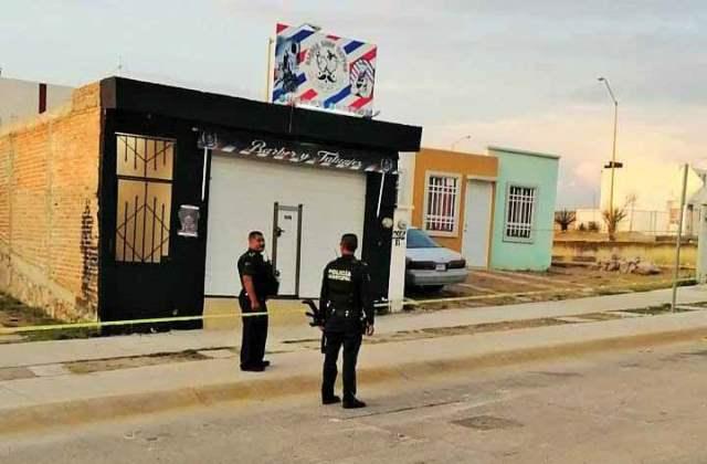 ¡Hallaron a un hombre ejecutado, embolsado y putrefacto en una barbería en Aguascalientes!