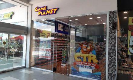 ¡2 pistoleros asaltaron negocio de videojuegos en el CC Espacio Aguascalientes y se llevaron $100 mil!