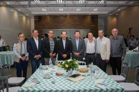¡Expone gobernador proyectos estratégicos a integrantes del Colegio de Arquitectos del Estado!