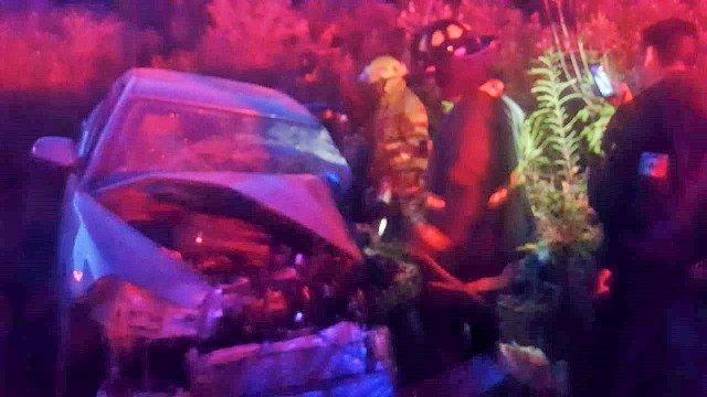 ¡Fuerte choque entre un auto y un tractocamión dejó 1 lesionado en Aguascalientes!