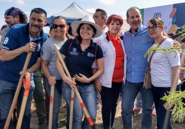 ¡Gobierno Estatal, sociedad organizada y población de Aguascalientes plantaron 1,500 árboles en el bosque de Cobos-Parga!