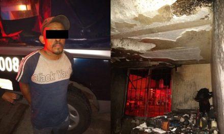 ¡Detuvieron a sujeto que incendió su casa en Aguascalientes y no dejaba salir a su esposa!