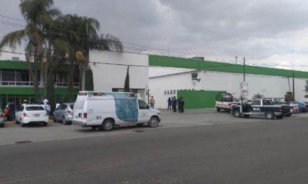 ¡Fuga de amoniaco en una fábrica de vinos y bebidas dejó 2 trabajadores intoxicados en Aguascalientes!