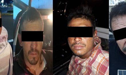 """¡Detuvieron a 4 sujetos que intentaron """"levantar"""" a una pareja en Aguascalientes!"""