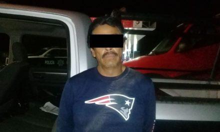 ¡Vecino de Zacatecas fue detenido con un arma de fuego dentro de un OXXO en Aguascalientes!