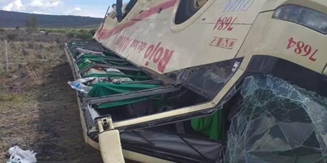 ¡2 accidentes de 3 autobuses en Zacatecas dejaron 11 personas lesionadas!