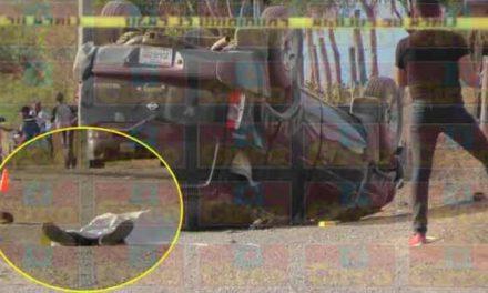 ¡Volcadura de una camioneta dejó saldo de 1 muerto y 1 lesionado en Fresnillo!