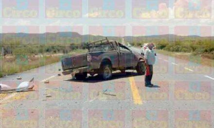 ¡Volcadura de una camioneta en Fresnillo dejó 1 muerto y 2 lesionados!