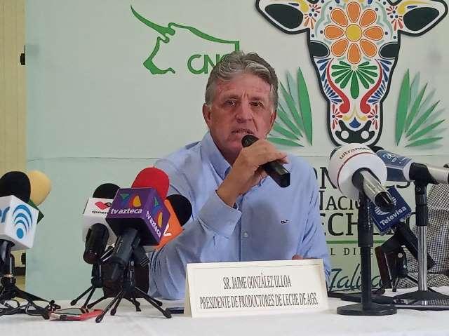 ¡Cierran establos por el bajo precio al que tienen que vender la leche: Jaime González Ulloa!