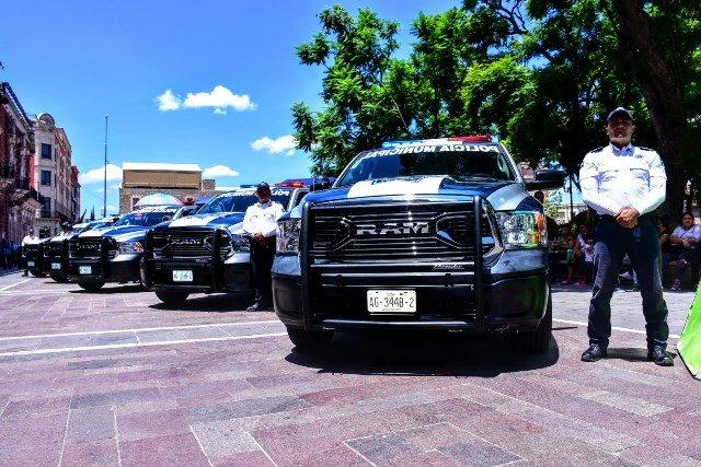 ¡Entrega Tere Jiménez nuevas patrullas a la Policía Municipal!