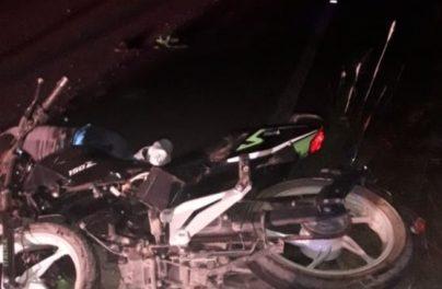 ¡Encontraron muerto a un motociclista en una carretera en Aguascalientes!