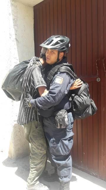 ¡Joven quería arrojarse al paso del tren para matarse en Aguascalientes pero policías lo evitaron!