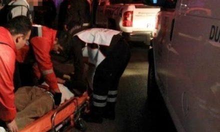 """¡Grave trabajador que fue asaltado y apuñalado por dos """"cholos"""" en Aguascalientes!"""