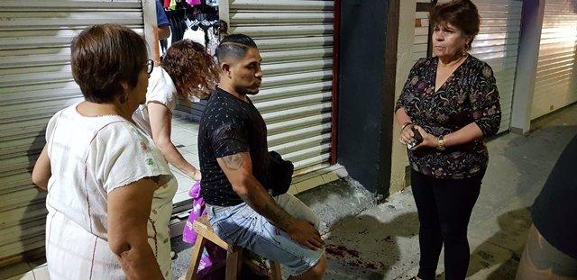 ¡Hombre fue apuñalado y herido por otro con el que platicaba en Aguascalientes!