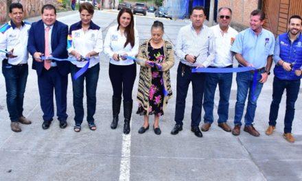 ¡Entregó Tere Jiménez obra de concreto hidráulico en Los Negritos!