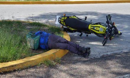 ¡Choque entre 2 motocicletas dejó 1 muerto y 1 lesionado en Aguascalientes!