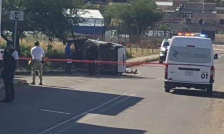 ¡Joven falleció tras la volcadura de la camioneta que conducía en Calvillo, Aguascalientes!