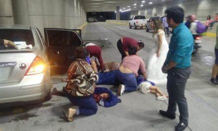 ¡Otro aparatoso accidente en el distribuidor vial en Aguascalientes dejó 7 lesionados!