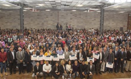 ¡Tras recortes federales en becas, Martín Orozco sí apoya a los universitarios para que no abandonen sus estudios!