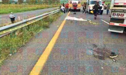 ¡Choque entre un tráiler y una camioneta dejó 1 muerto y 8 lesionados en Lagos de Moreno!