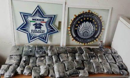"""¡Aseguraron 23 kilos de """"crystal"""" y detuvieron a dos personas en Zacatecas!"""